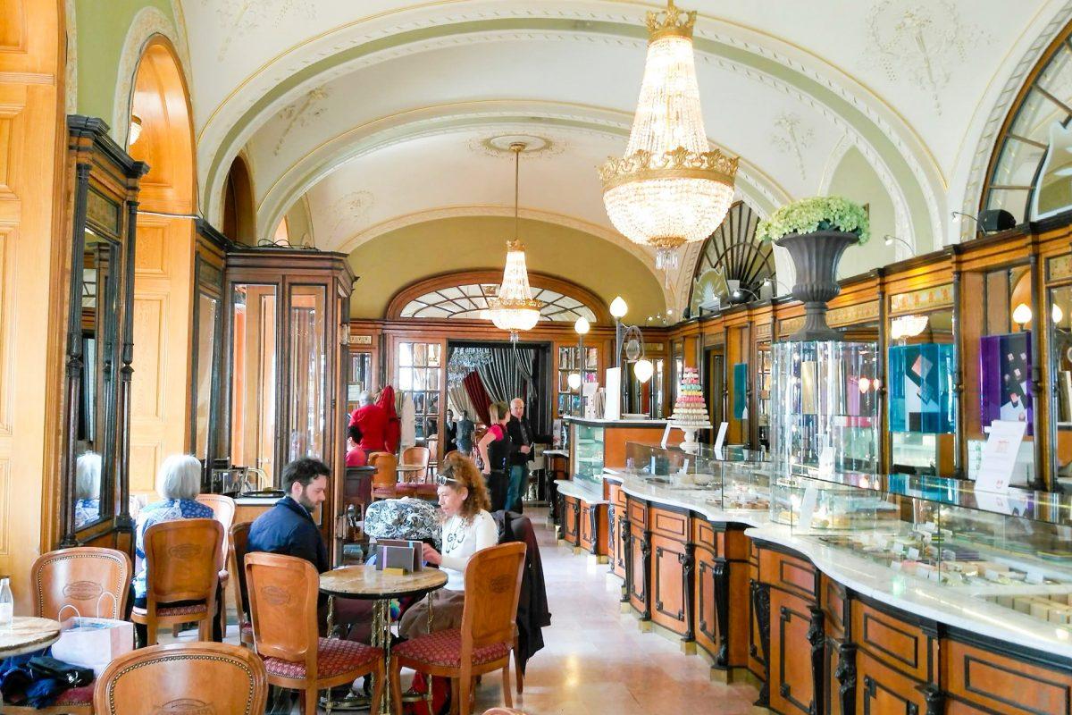 Top fájv kávéház Budapestről