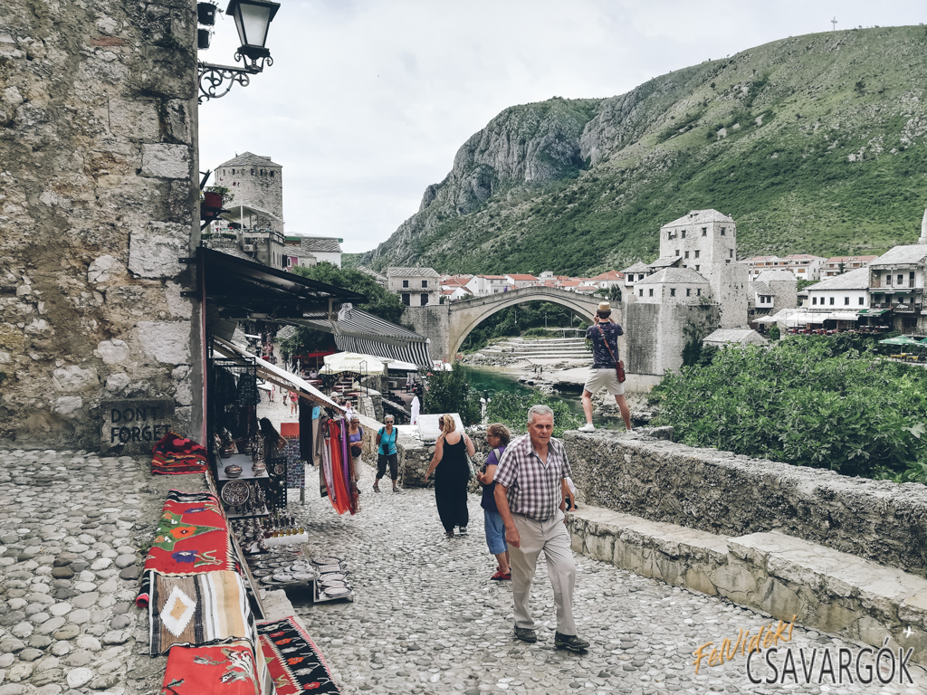 Mostar és a híd akrobatája